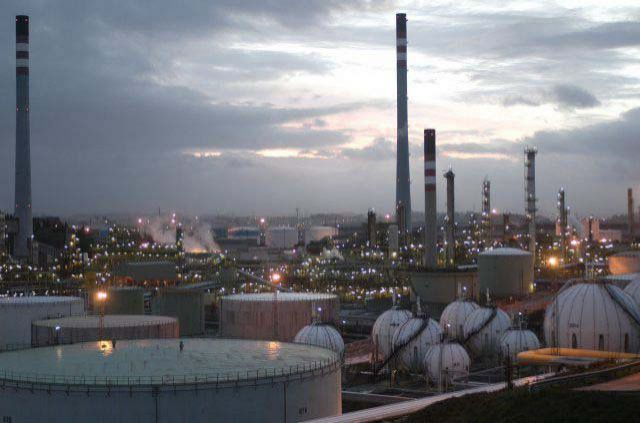 CCOO, UGT y las contratas de Repsol-Puertollano acuerdan las condiciones de 1.500 trabajadores